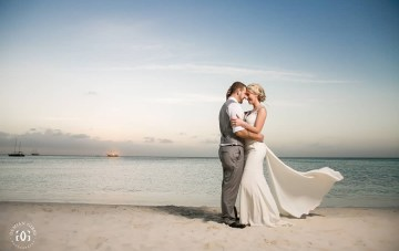 8 Reasons Why We're Dreaming Of An Aruba Destination Wedding