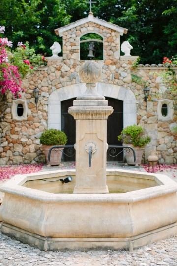 Posh Mallorca Pool Party Wedding at a Rustic Spanish Villa – Sandra Manas 2