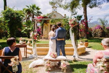 Posh Mallorca Pool Party Wedding at a Rustic Spanish Villa – Sandra Manas 48