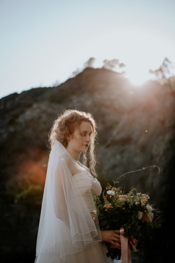 Rose Gold and Copper Cinque Terre Fall Wedding Inspiration – Di Luce e d Ombra – Greta Betton Wedding Planner 16