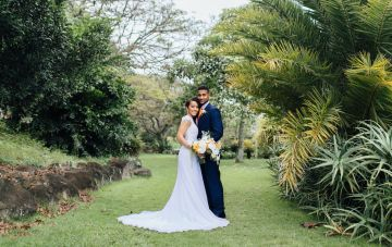 Citrus Colored Modern Hawaiian Elopement