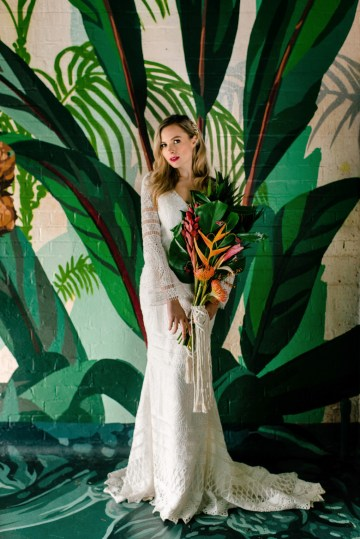 Bold Tropical Wedding Inspiration – Katerina Antos-Lewis Photography 26