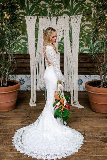 Bold Tropical Wedding Inspiration – Katerina Antos-Lewis Photography 42