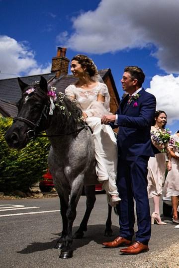 Charming English Wildflower Wedding At The Family Farm – Jonny Barratt Wedding Photography 18