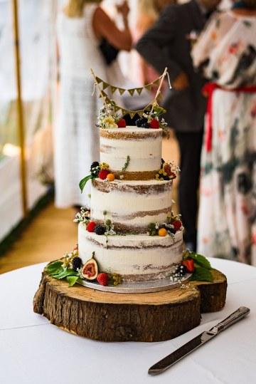 Charming English Wildflower Wedding At The Family Farm – Jonny Barratt Wedding Photography 41