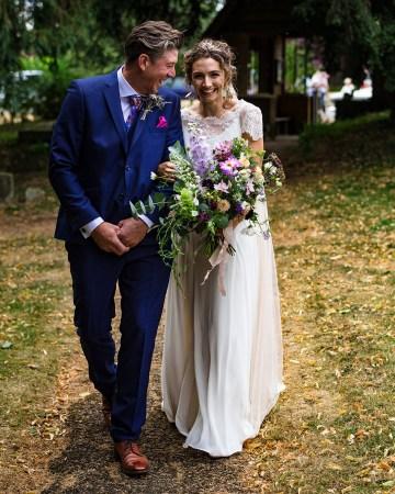Charming English Wildflower Wedding At The Family Farm – Jonny Barratt Wedding Photography 44