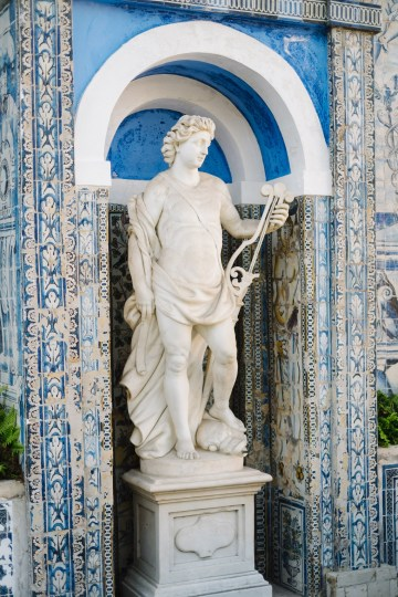 Historical Blue-tiled Palace Destination Wedding in Portugal – Jesus Caballero Photography 13
