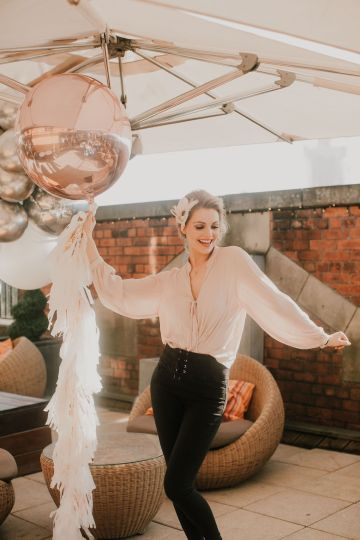 Vintage Glamour Wedding Inspiration in Manchester – Gail Secker Photography 36