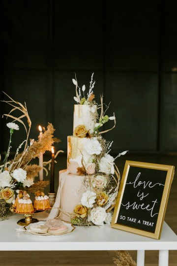 Chic Fall Loft Wedding Inspiration from Toronto – Shannon Robbins Photography – June Bloom Events 38