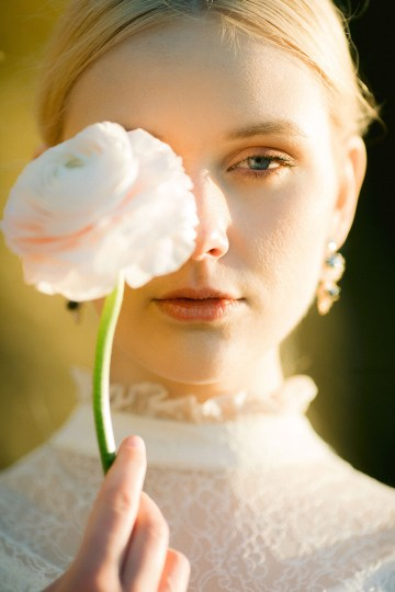 Gorgeous Coastal Ireland Wedding Inspiration – White Cat Studio – Petal and Twine 31