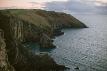 Gorgeous Coastal Ireland Wedding Inspiration – White Cat Studio – Petal and Twine 53