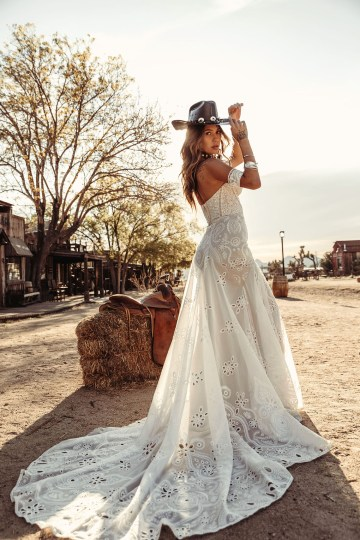 Rue de Seine Moonrise Canyon Wedding Dress Collection – Tallulah Gown 7