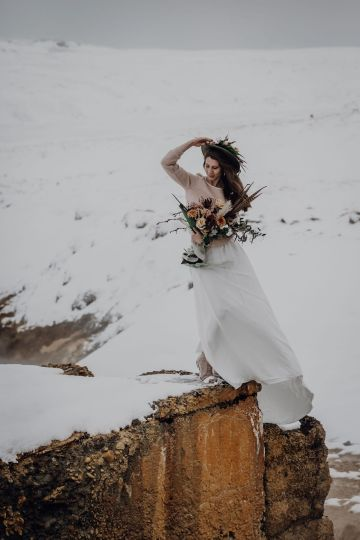Wild Winter Wedding Inspiration from Iceland – Snowy Scenery and a Bridal Sweater – Melanie Munoz Photography 35