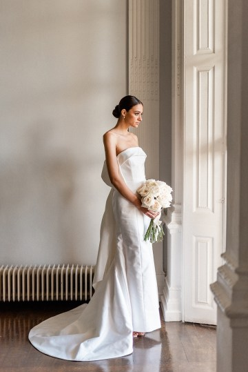 Luxurious and Opulent Wedding Inspiration Featuring Six Stunning Dresses – Gianluca and Mary Adovasio – Tigerlily Weddings 26