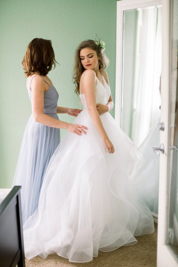 Whimsical Floral-Filled Woodland Wedding – Walnut and Main – Irina Turkova Photography 10