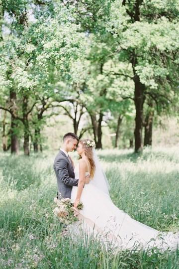 Whimsical Floral-Filled Woodland Wedding – Walnut and Main – Irina Turkova Photography 25