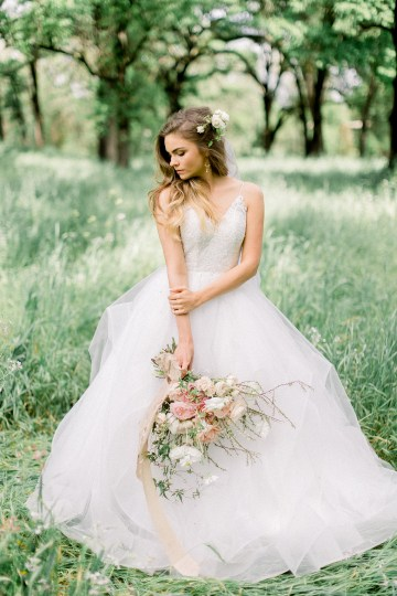Whimsical Floral-Filled Woodland Wedding – Walnut and Main – Irina Turkova Photography 32