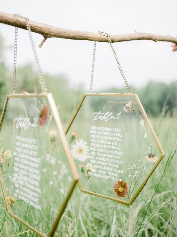 Whimsical Pantone Living Coral Colorful Meadow Wedding Inspiration – Kira Nicole Photography 7