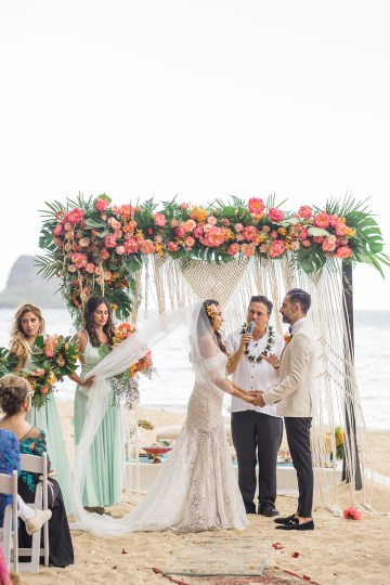 Breathtaking Cultural Polynesian Wedding on the Beaches of Hawaii – Joseph Esser 34