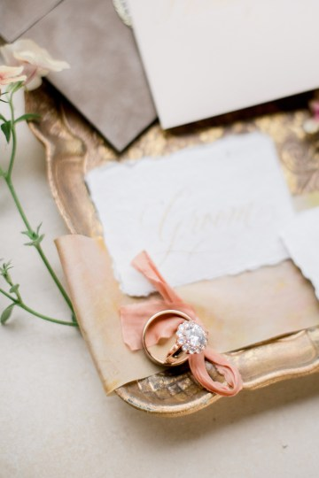 Gorgeous Gold South Asian Wedding Inspiration with a Crescent Moon Altar – Hope Helmuth Photography 2