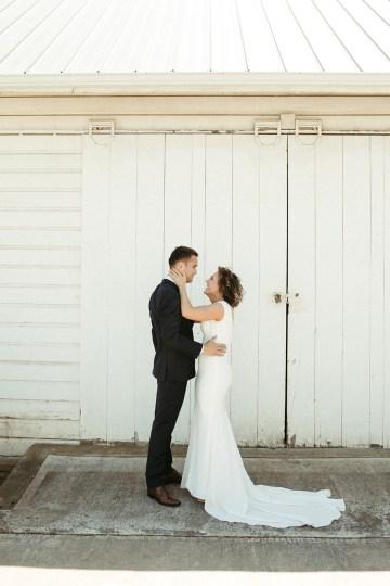 Joyous Oregon Berry Farm Wedding – Phil Chester – Peachy Keen Coordination – Hoffman Farm Store 2