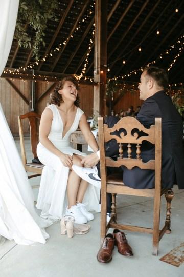 Joyous Oregon Berry Farm Wedding – Phil Chester – Peachy Keen Coordination – Hoffman Farm Store 25