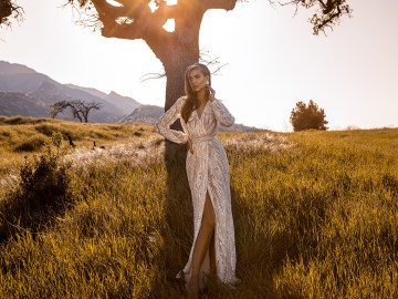 Showstopping Dazzling WONA Bridal Wedding Dresses – Catching The Wind – Sardinia