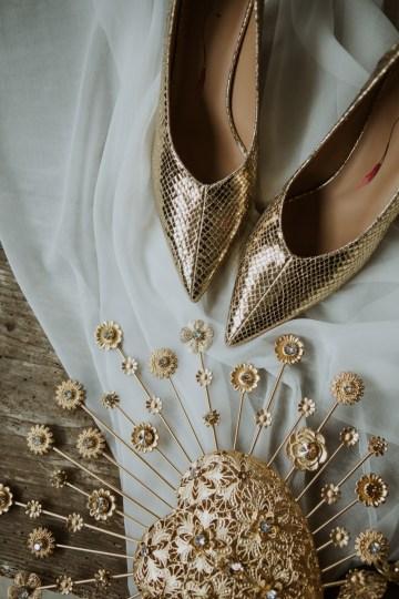 White and Taupe Minimalistic Wedding Inspiration – Vanessa Illi 11