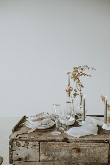 White and Taupe Minimalistic Wedding Inspiration – Vanessa Illi 17