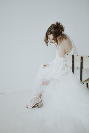 White and Taupe Minimalistic Wedding Inspiration – Vanessa Illi 26