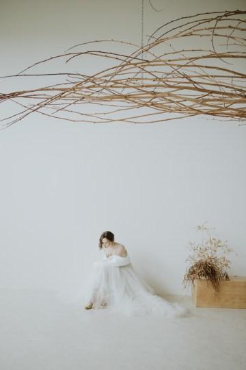 White and Taupe Minimalistic Wedding Inspiration – Vanessa Illi 30