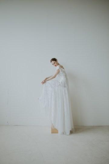 White and Taupe Minimalistic Wedding Inspiration – Vanessa Illi 34