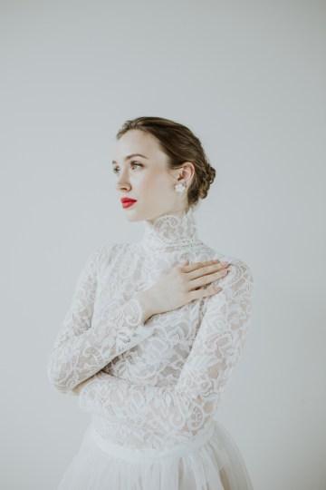White and Taupe Minimalistic Wedding Inspiration – Vanessa Illi 40