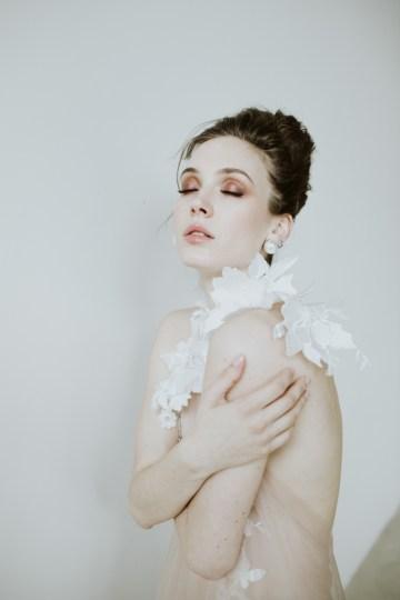 White and Taupe Minimalistic Wedding Inspiration – Vanessa Illi 54