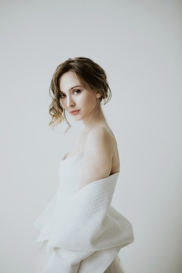 White and Taupe Minimalistic Wedding Inspiration – Vanessa Illi 8