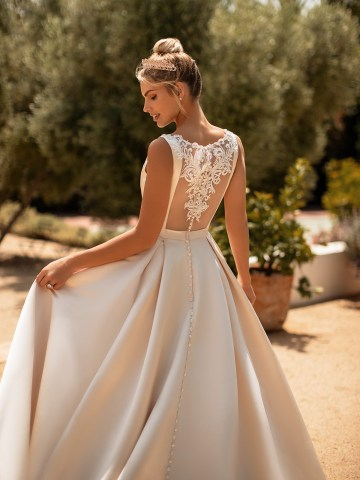 10 Gorgeous Ball Gown Wedding Dresses – Moonlight Bridal – J6772-3QB