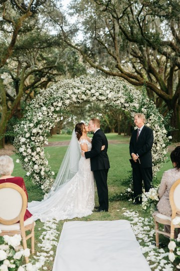 Magical Intimate Southern Wedding Under The Oak Trees – Pure Luxe Bride – Lydia Ruth Photography 39