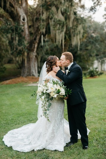 Magical Intimate Southern Wedding Under The Oak Trees – Pure Luxe Bride – Lydia Ruth Photography 49