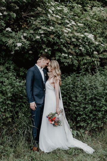 Pretty Meadow Wedding in the Czech Republic – Carols Darkroom 34