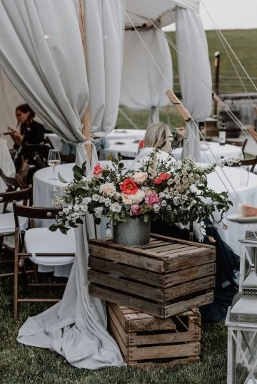 Pretty Meadow Wedding in the Czech Republic – Carols Darkroom 42
