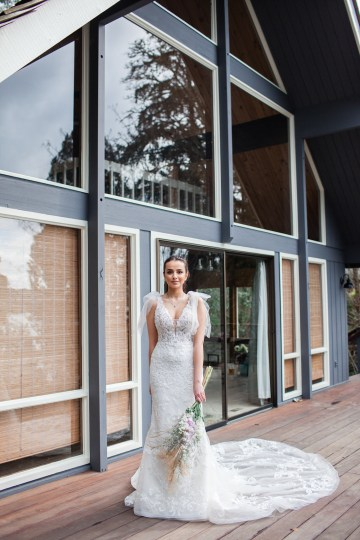 Maggie Sottero Pacific Northwest Beach Wedding Inspiration – Claire Eliza – Bridal Musings 21