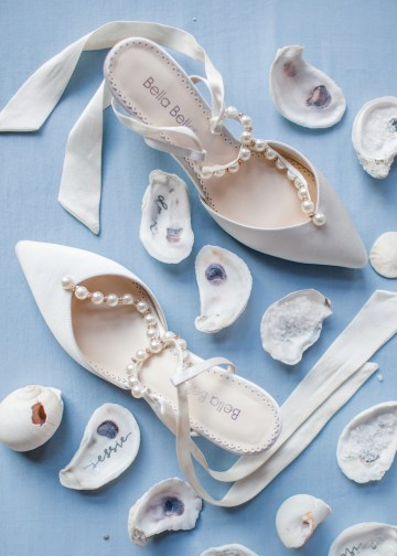 Maggie Sottero Pacific Northwest Beach Wedding Inspiration – Claire Eliza – Bridal Musings 8