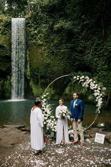 Breathtaking Bali Waterfall Elopement – Vladimir Borodenok 15