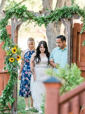 Intimate Summer Cottage Wedding – Rachel Ann Media 25