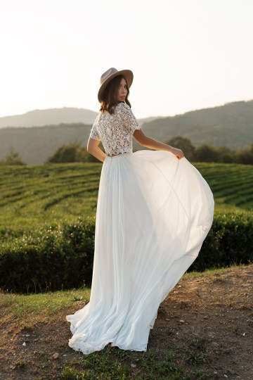 Feminine Simple Minimalistic Wedding Dresses by Mila Bridal 2020 2021 – Bridal Musings 25