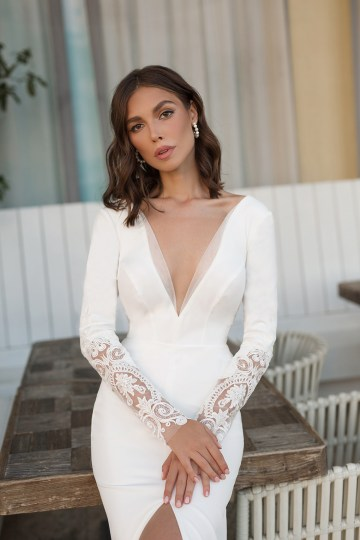 Feminine Simple Minimalistic Wedding Dresses by Mila Bridal 2020 2021 – Bridal Musings 42