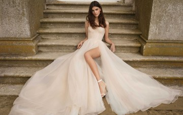 13 Wedding Dresses That Make A Powerful, Feminine Statement