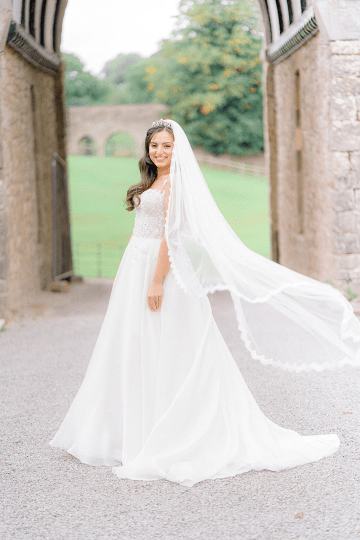 Fairytale Royal English Wedding Inspiration at Clearwater Castle – Sara Cooper Photography – Smitten Weddings 21