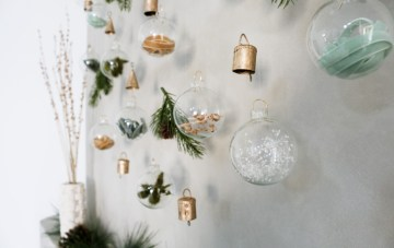 DIY Christmas Wall Hanging For A Holiday Wedding