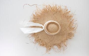 25 Trendy Summer Hats For Your Cottagecore Elopement
